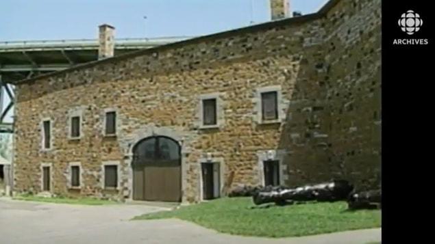 Vue partielle du fort de l'île Sainte-Hélène qui abrite le Musée David Stewart.