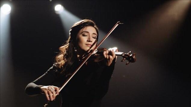 Isabella D'Éloize Perron.