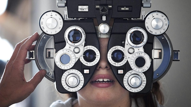 A child at the eye doctor.