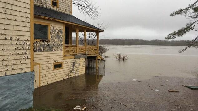 L'eau s'infiltre dans les sous-sols de maisons dans le sud-ouest du Nouveau-Brunswick.