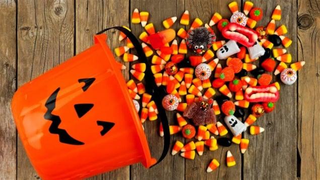 Des bonbons d'Halloween.