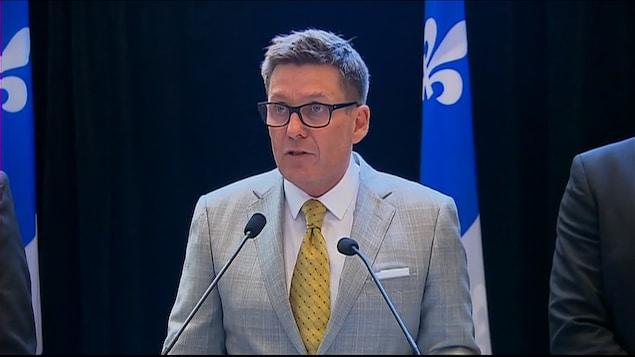 Pierre Moreau, ministre responsable du Plan Nord, ministre de l'Énergie et des des Ressources naturelles, et ministre responsable de la Gaspésie