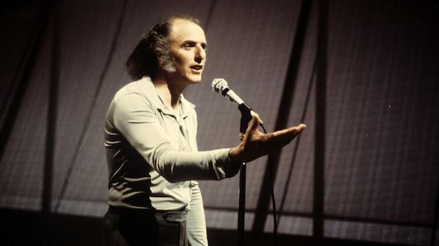 Gilles Vigneault à l'émission « Vedettes en direct » en 1974