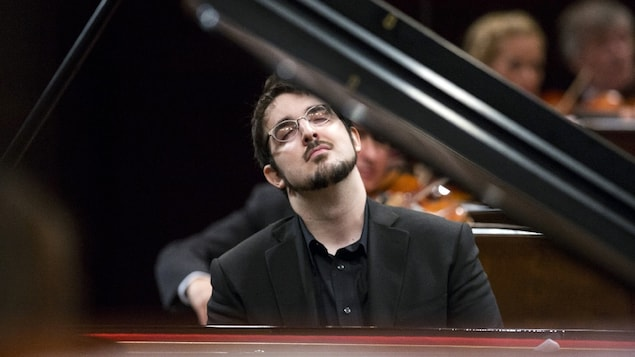 Charles Richard-Hamelin au 17e Concours international de piano Frédéric Chopin, à Varsovie, en 2015.
