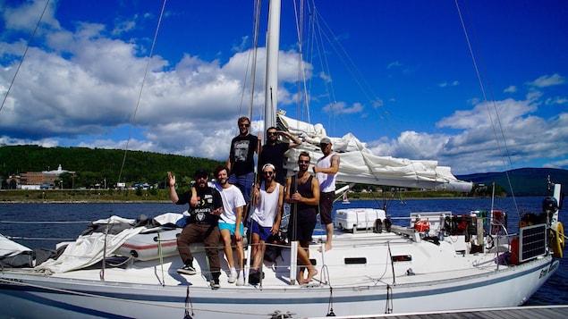 L'équipe de «La Virée du Saint-Laurent» sur leur navire