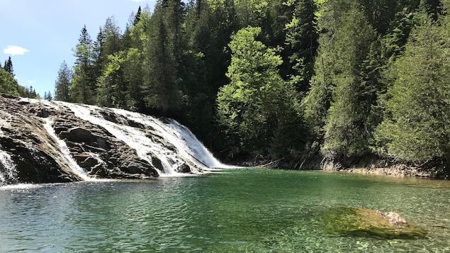 La rivière-aux émeraudes.
