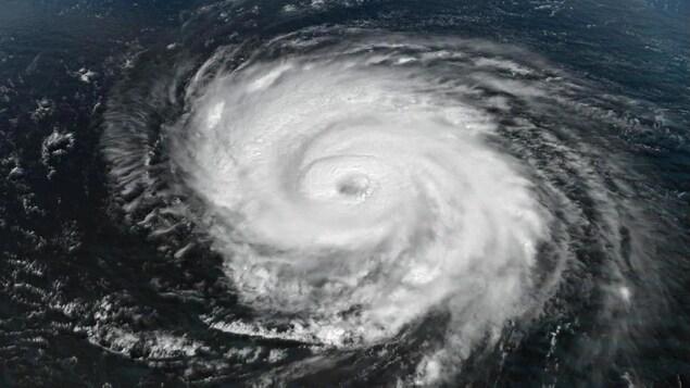 Image satellite de l'ouragan Teddy, alors en catégorie 4 dans l'après-midi du vendredi 18 septembre 2020.