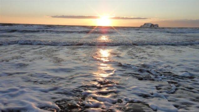 La température des eaux profondes du golfe du Saint-Laurent en 2017 était la plus élevée enregistrée depuis un siècle. Ci-dessus: le golfe en hiver vu des Îles-de-la-Madeleine