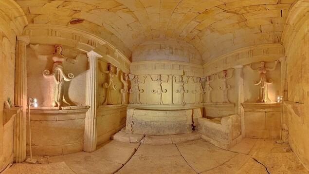 L'intérieur du tombeau de Sveshtari