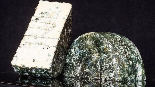 Le fromage Bleu d'Élizabeth de la Fromagerie du Presbytère à Sainte-Élisabeth de Warwick.