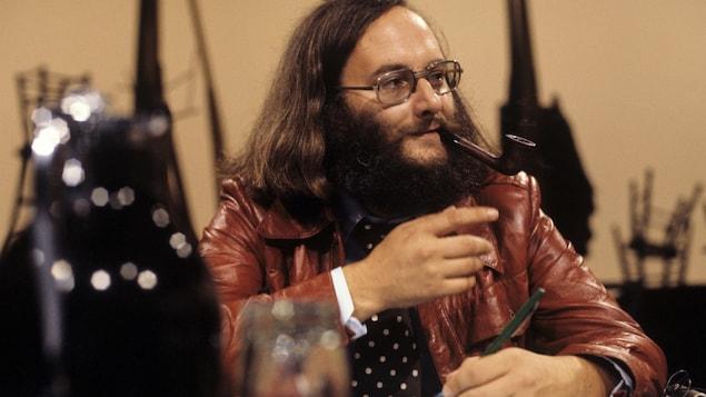 Victor-Lévy Beaulieu dans un studio de Radio-Canada, le 1er septembre 1977