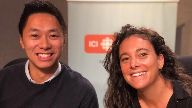 Tanguy Nguyen et Astrid Bigo posent en studio.