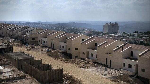 Des maisons en constructions en Cisjordanie.