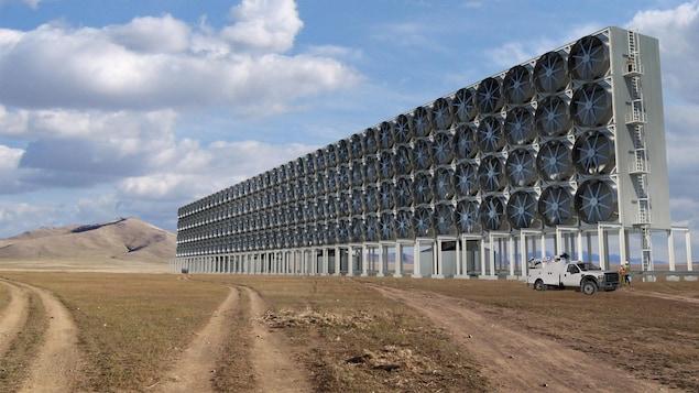 En utilisant différentes technologies déjà existantes et en les adaptant, Carbon Engineering a réussi à capturer du carbone de l'atmosphère à un coût plus abordable que ses compétiteurs.