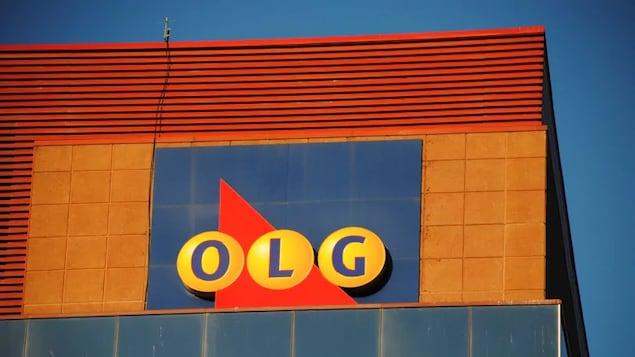Le logo d'OLG sur le bâtiment de son siège social.