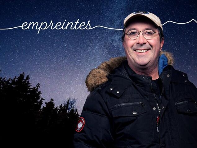 L'astronome amateur Tim Doucette.