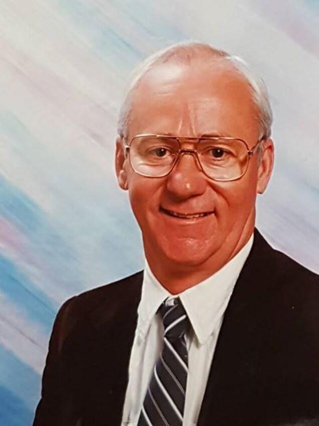 Roger Marchand quelques années avant sa retraite comme enseignant à Gravelbourg en 1995