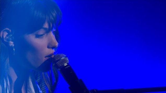 Elle chante