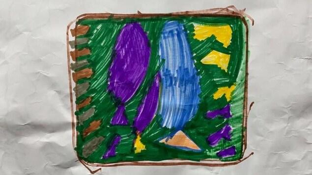 Un dessin d'enfant sur une feuille froissée.