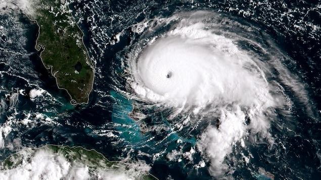 Vue satellite de l'ouragan Dorian.
