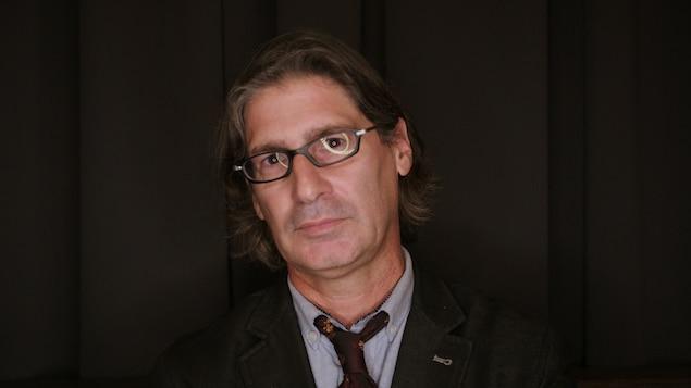 L'animateur Jean-René Dufort en gros plan