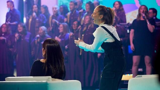 La comédienne sur le plateau d'En direct de l'univers.