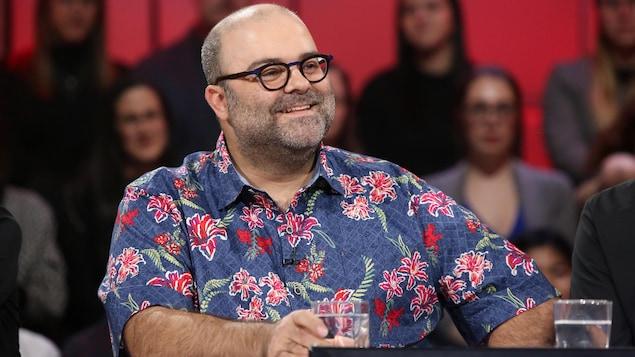 Il présentera cet été au Festival Juste pour rire sa comédie à sketches On va tous mourir.