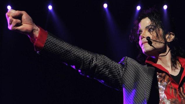 Michael Jackson en plein concert.