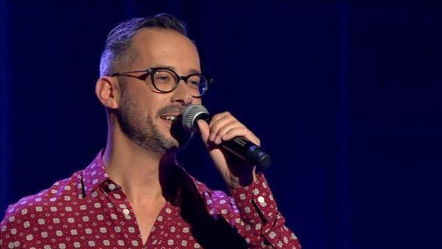 Le conjoint de Yannick Nézet-Séguin chante sur le plateau d'En direct de l'univers