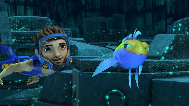 Ant explore les fonds marins. Un poisson jaune et bleu nage près de lui.