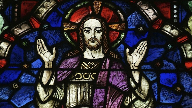 Vitrail d'église représentant Jésus-Christ