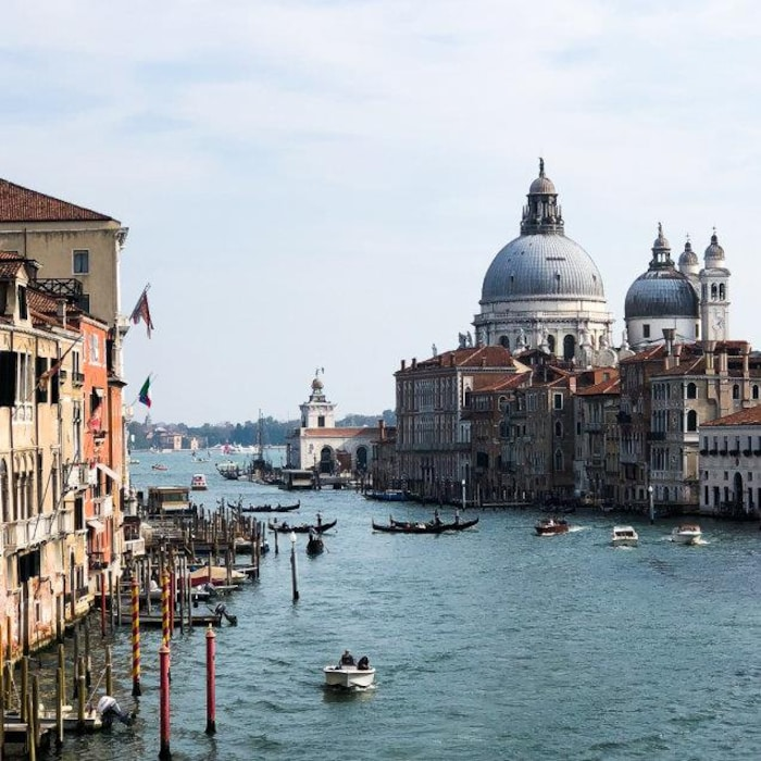 Image d'un canal à Venise.