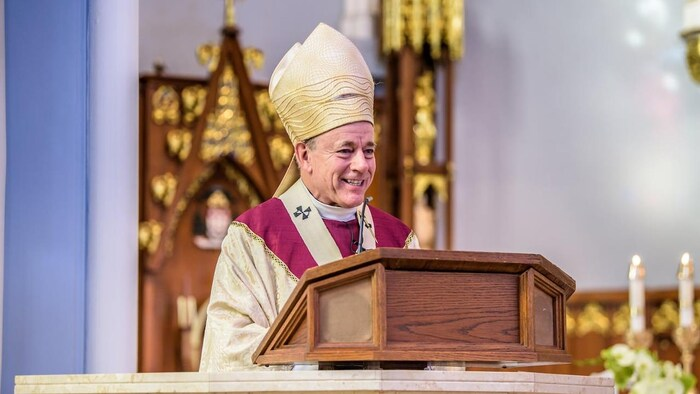 L'archevêque Michael Miller.