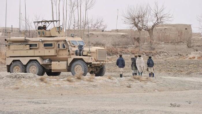 加拿大将协助曾给加拿大军队工作的阿富汗人离开阿富汗。