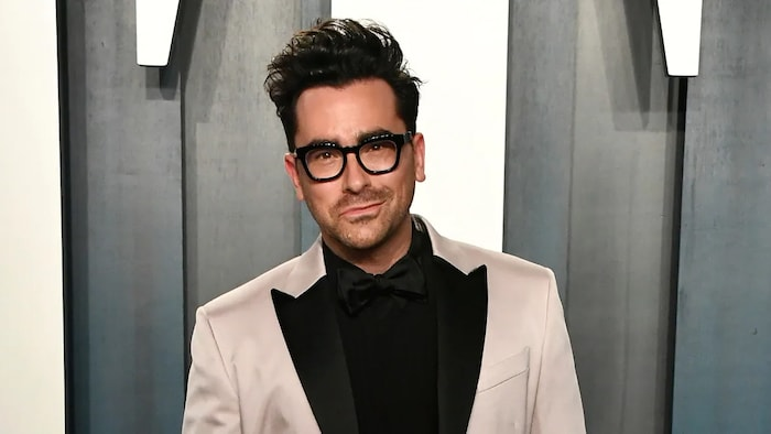 Dan Levy's stint guest hosting NBC's SNL fell short to Dave Chappelle's turn hosting the sketch comedy series last weekend at The Creative Arts Emmys.