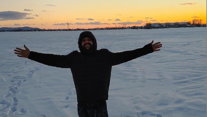 Ghassen Jeddi dans la neige.