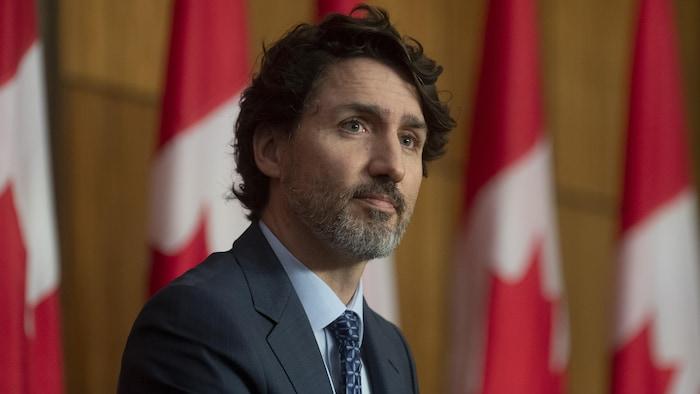 加拿大总理贾斯汀·特鲁多 (Justin Trudeau) 在一个新闻发布会上。
