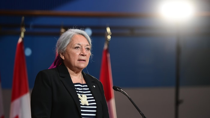 جاكمة كندا العامّة ماري سايمون.