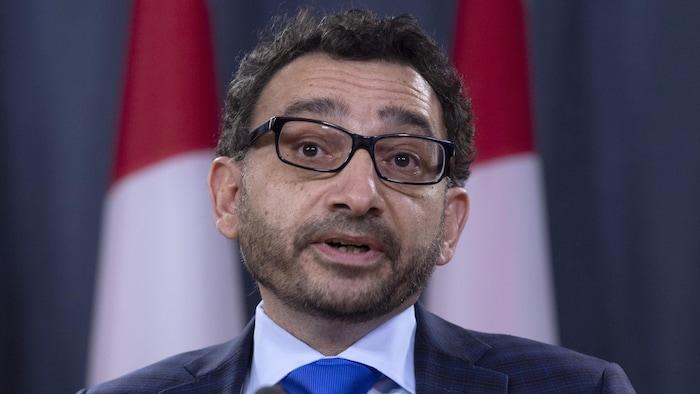 El ministro canadiense de Transportes, Omar Alghabra.