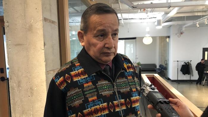 Stewart Philip, gran jefe de la Unión de Jefes Indígenas de la provincia de Columbia Británica.
