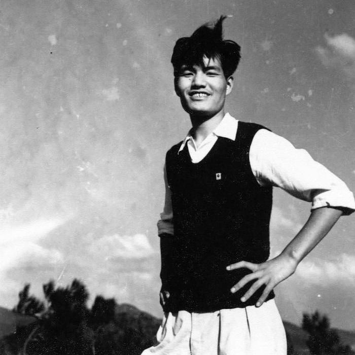 年轻时代的郑胜天教授。
