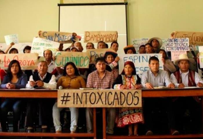 Foto de personas afectadas por sustancias químicas provenientes de la minería y otras actividades de industrias extractivas.