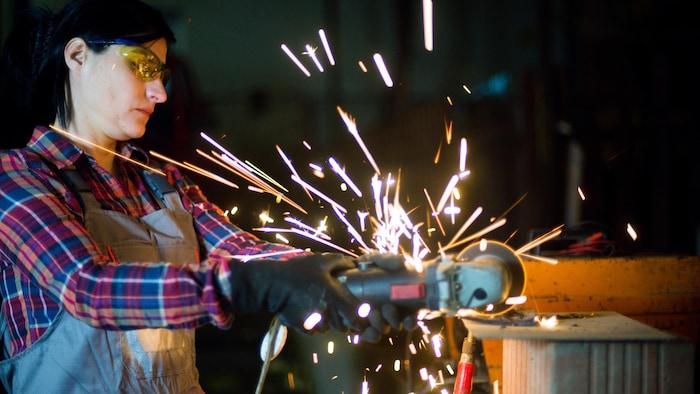 加拿大曼尼托巴省希望鼓励更多妇女进入建筑业。