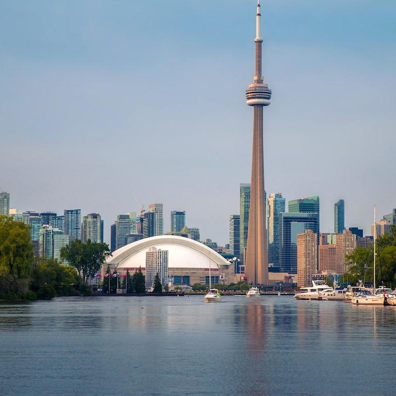 La vue de le Toronto depuis les îles en face.