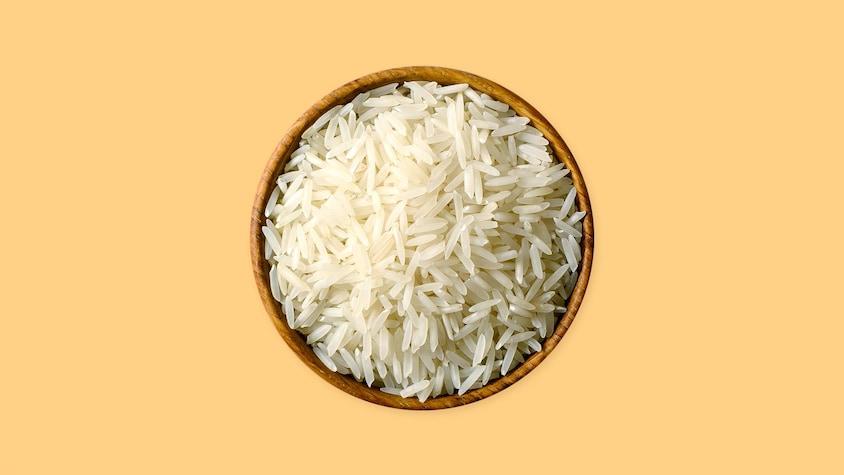 Un petit bol avec du riz.