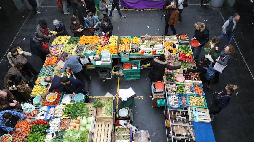 Le marché des Capucins à Bordeaux