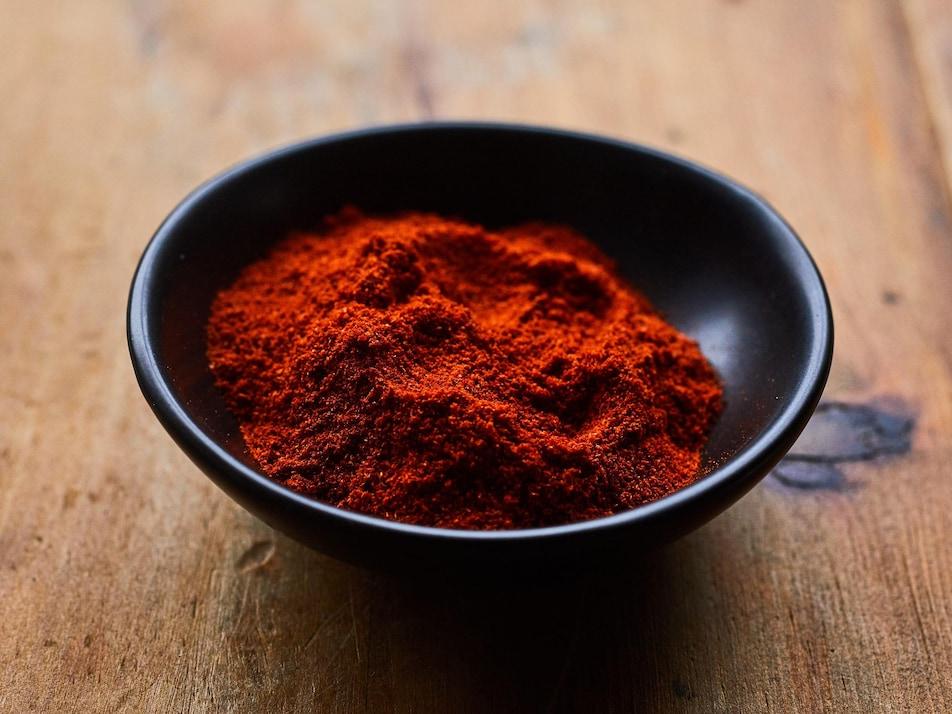 Un bol de paprika fumé.