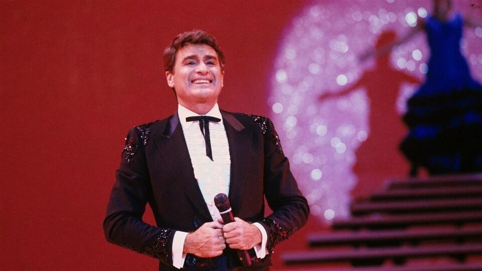 Michel Louvain, souriant, en 1985.