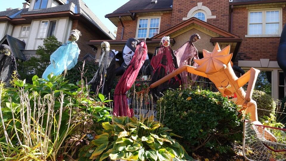 Des décorations de l'Halloween à Ottawa.
