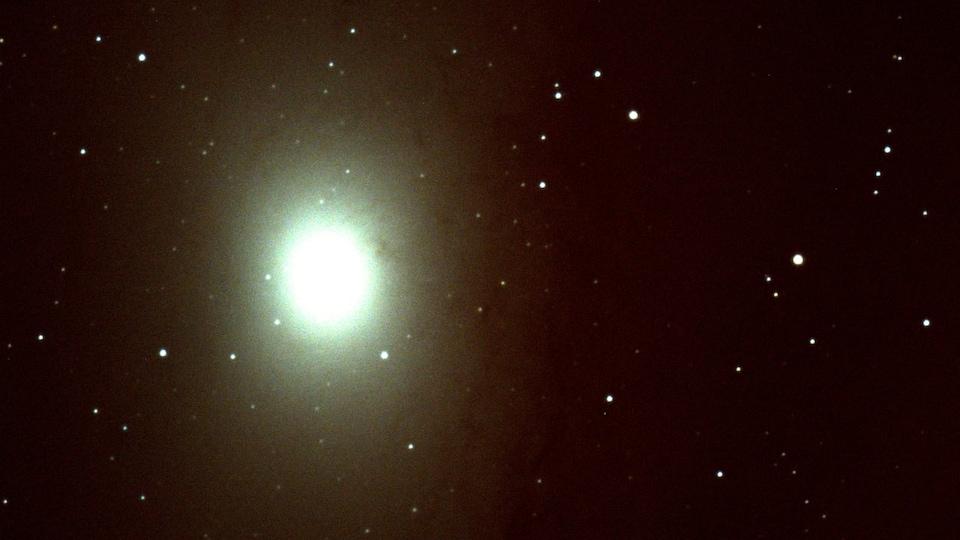 Vue de la galaxie Andromède à partir d'un télescope.
